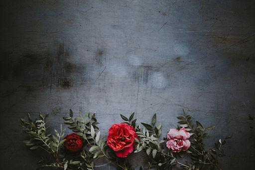 Květiny na výstřední zdi