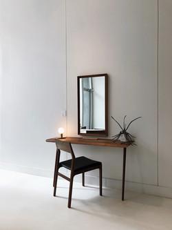 Espelho na parede
