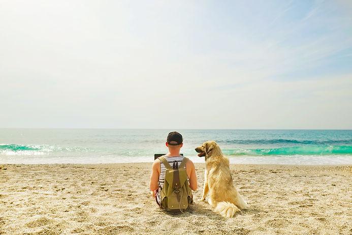 Am Strand mit Hund