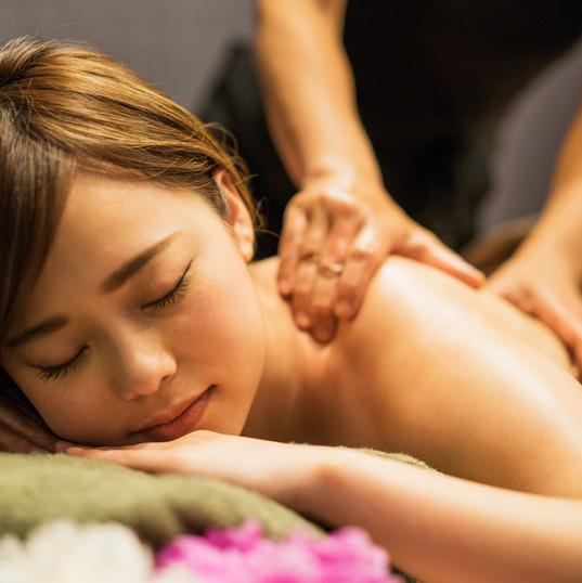 Entspannende Rückenmassage