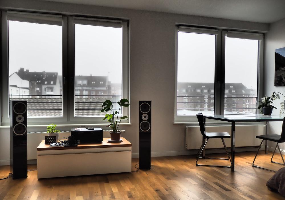 Symbolbild Fenster in Wohnung