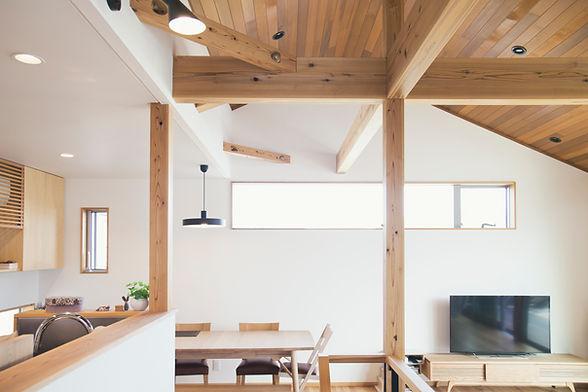 Poutres intérieures en bois
