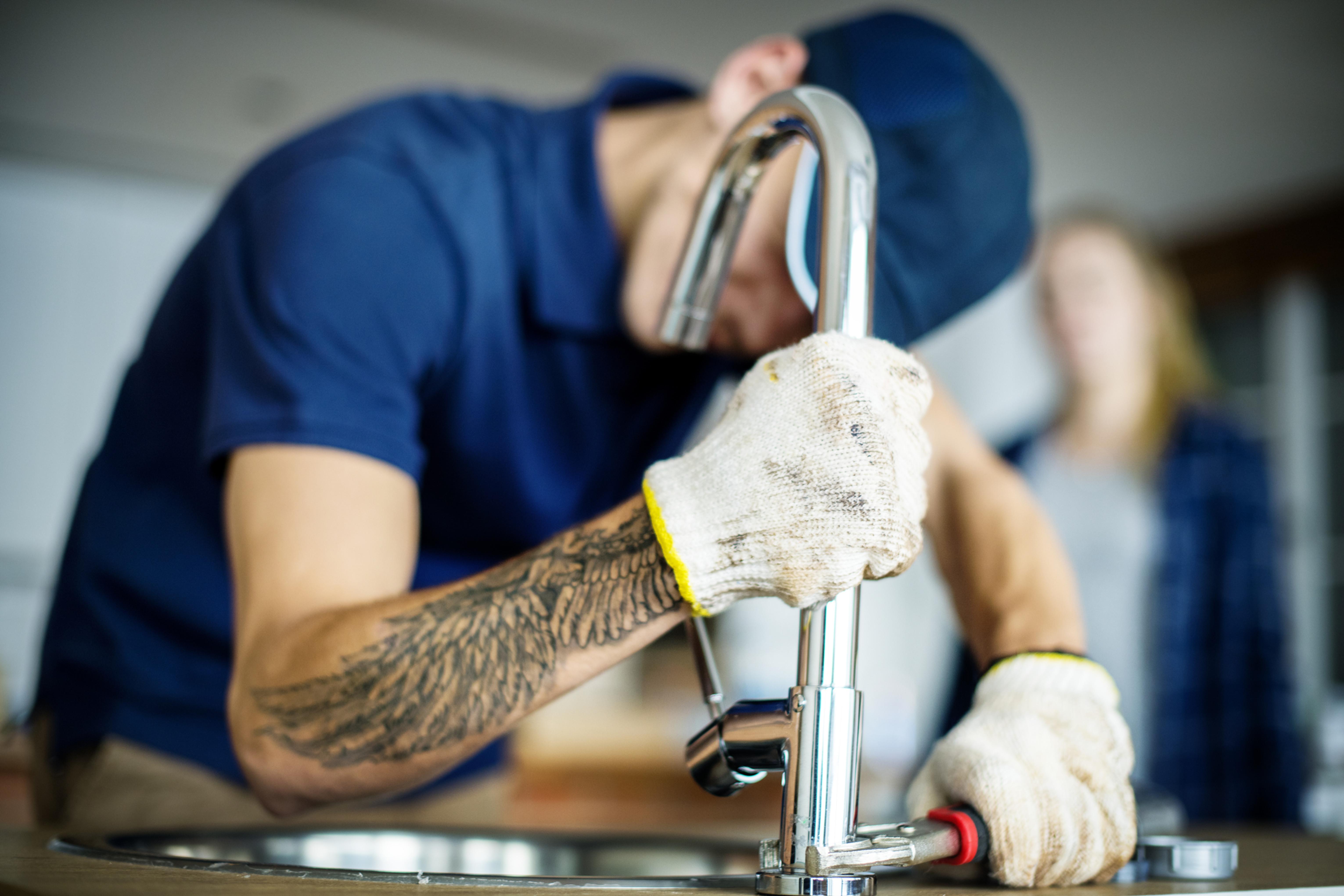 Plumbing or sanitary خدمات السباكة