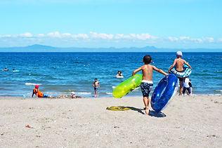 바다로 노는 아이들