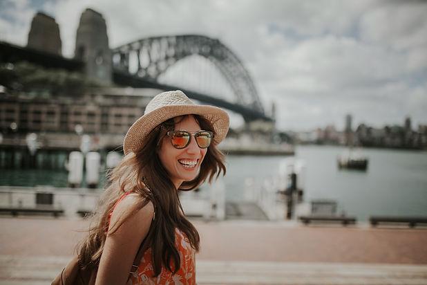 Mujer explorando Sydney
