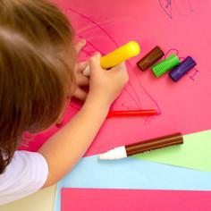 ¿Qué lugar de la casa es el ideal para que mi hijo vea sus clases ?