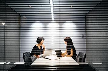 個室でのミーティング