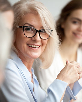 Sourire femme d'affaires