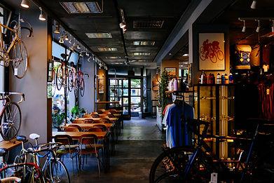 自転車ショップ併設のカフェ