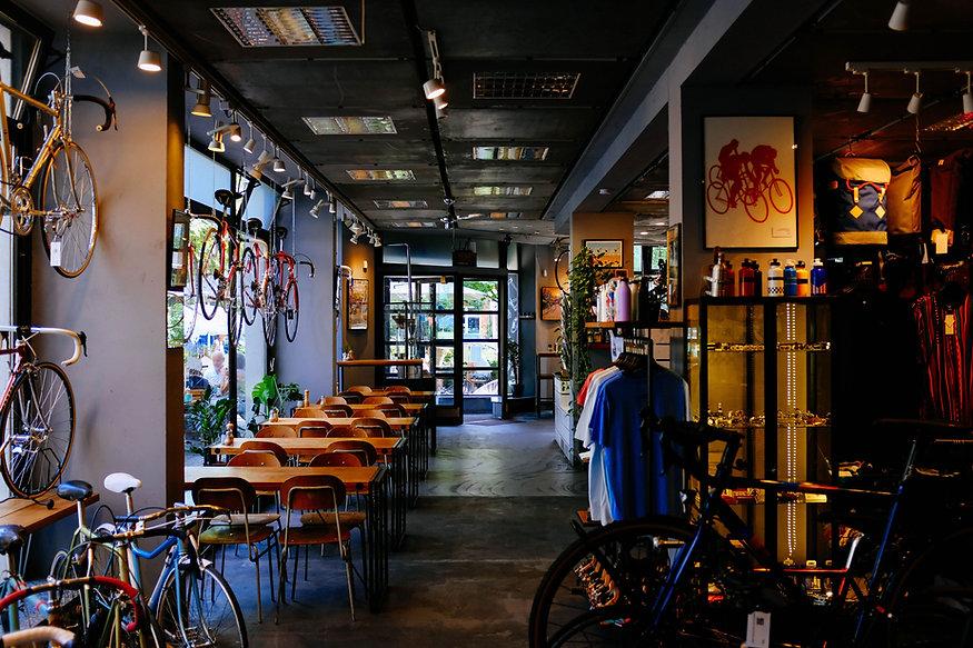 Cafetería con bicicletas