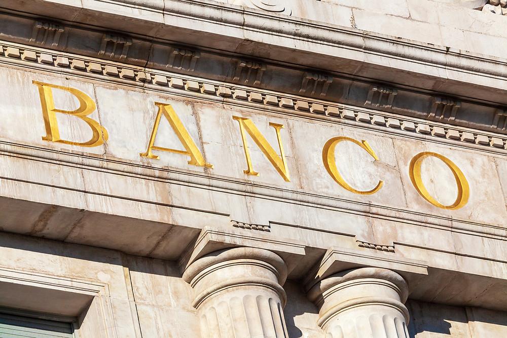 En la región Panamá, posee la plaza bancaria más fuerte y confiable.