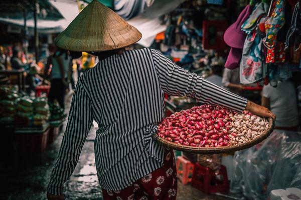 Vietnam bietet eine Menge an exotischem Essen und Gewürzen. Landestypisch sind Kokosnussprodukte und Gewürze.