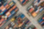 Vista aérea de contenedores