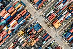 Luftbild von Containern