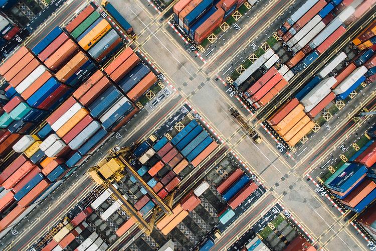 Vue aérienne des conteneurs