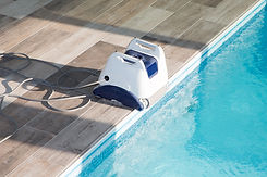 Robot de limpieza de piscinas