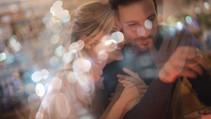 Casal feliz na Data
