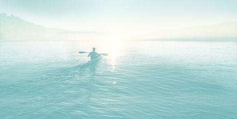海でのセーリング