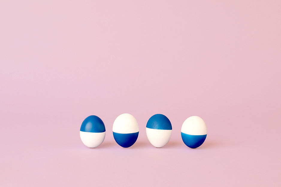 Blaue und weiße Eier