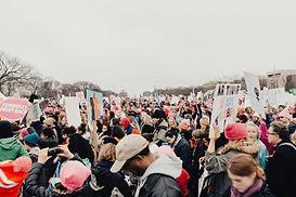 Menschenmenge protestieren