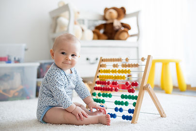 Baby spelen met telraam
