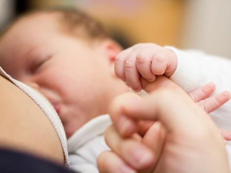 OMS recomandă continuarea alăptării în timpul infecției Covid 19 sau după vaccinare!