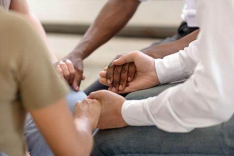 Grupo de mãos dadas