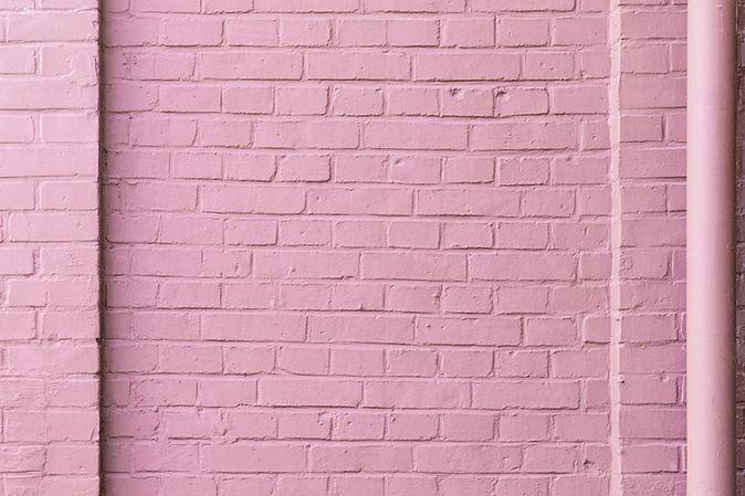Mur de brique rose