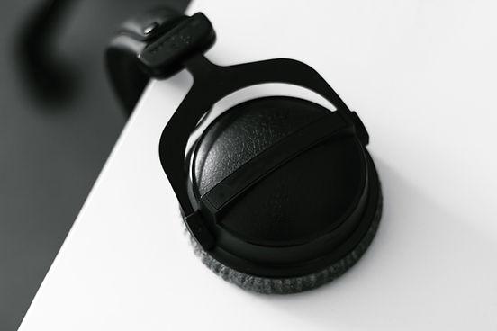 preto Headphones