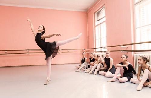 Bailarinas na aula