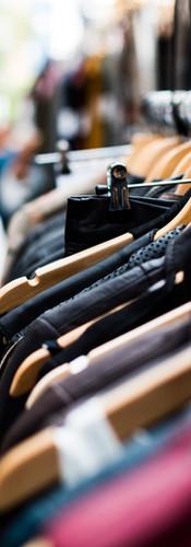 Vêtements sur rack extérieur