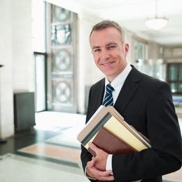 """Em artigo, advogado Marcelo Di Rezende comenta """"rombo"""" na OAB-GO"""