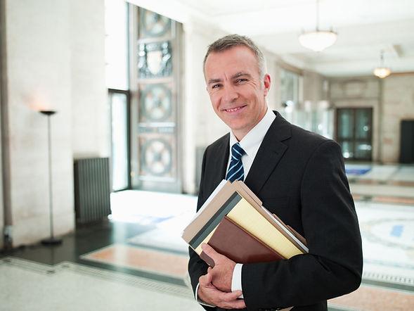 Prawnik w holu