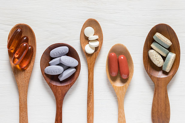 Pilules sur cuillères