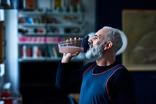 健康な年配の男性