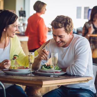 Hôtels cafés restaurants : protocole national de déconfinement