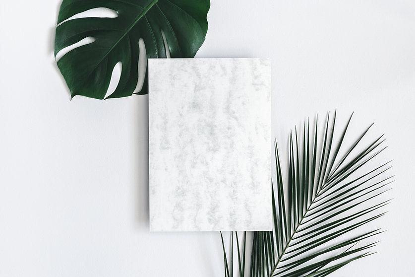 Тропические листья и мраморная бумага