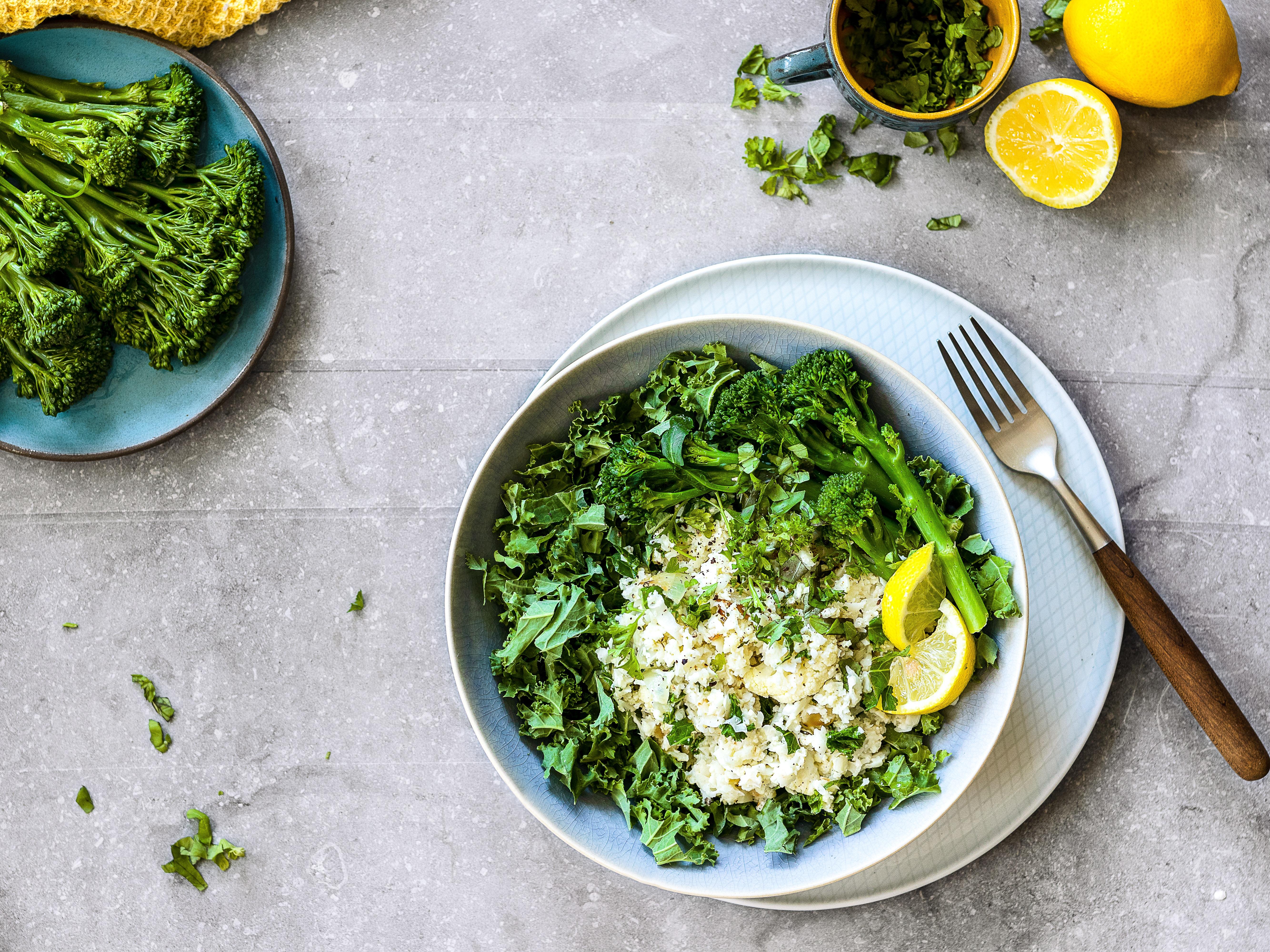 ケールとブロッコリーのサラダ
