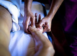 Ладони массаж