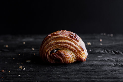 Ready to bake chocolate croissants AOP butter Bag of 6