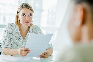 Vrouw met sollicitant