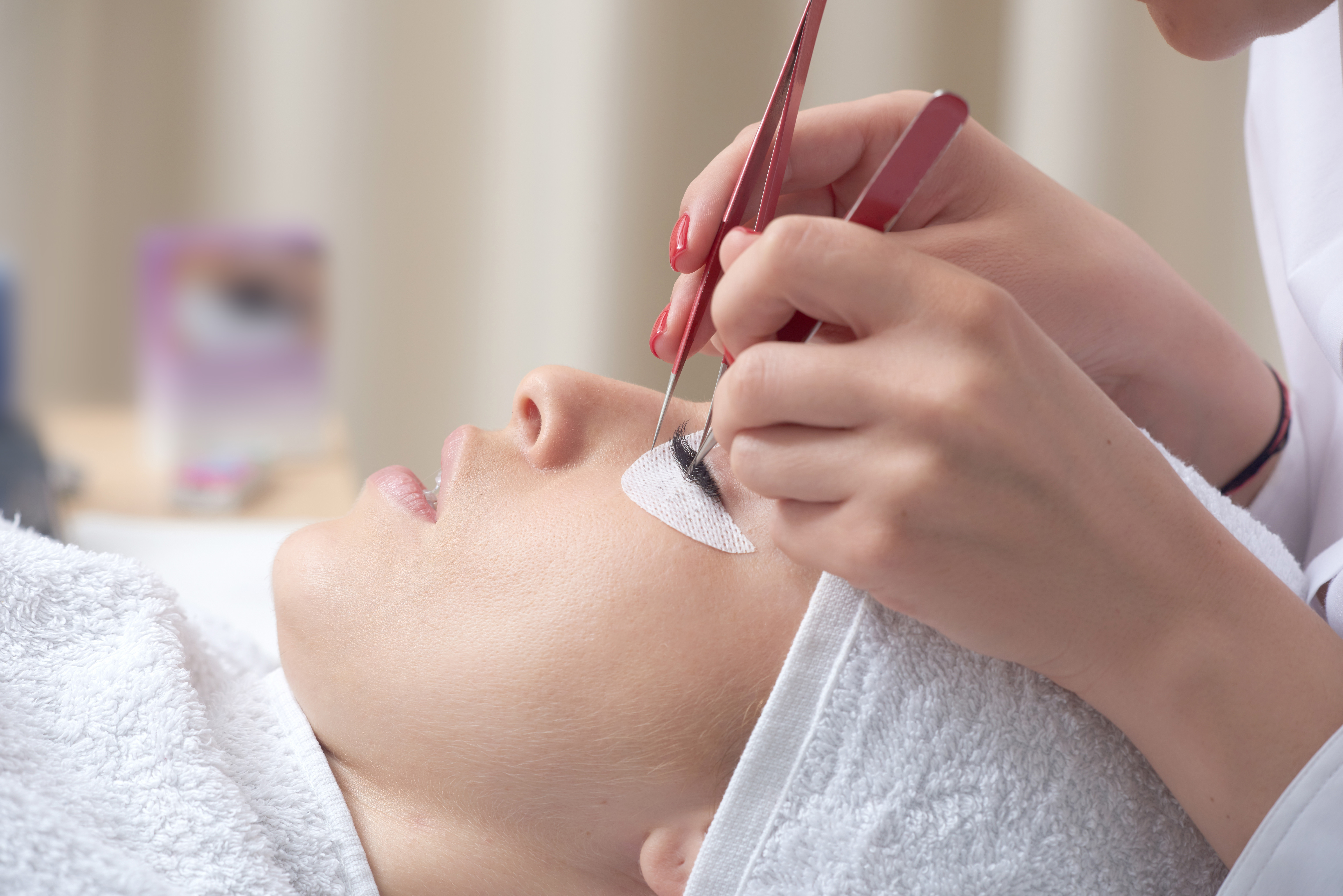 Eyelashes Extensions Course
