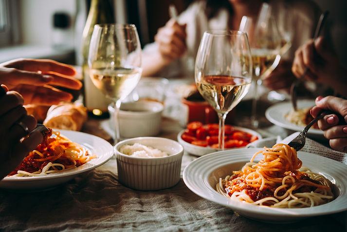 Макароны и вино