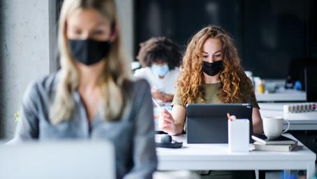 CA州職場でのマスク着用義務継続