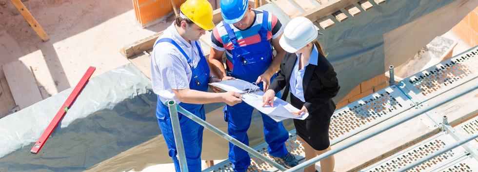 Überprüfung von Bauplänen