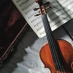 小提琴和樂譜