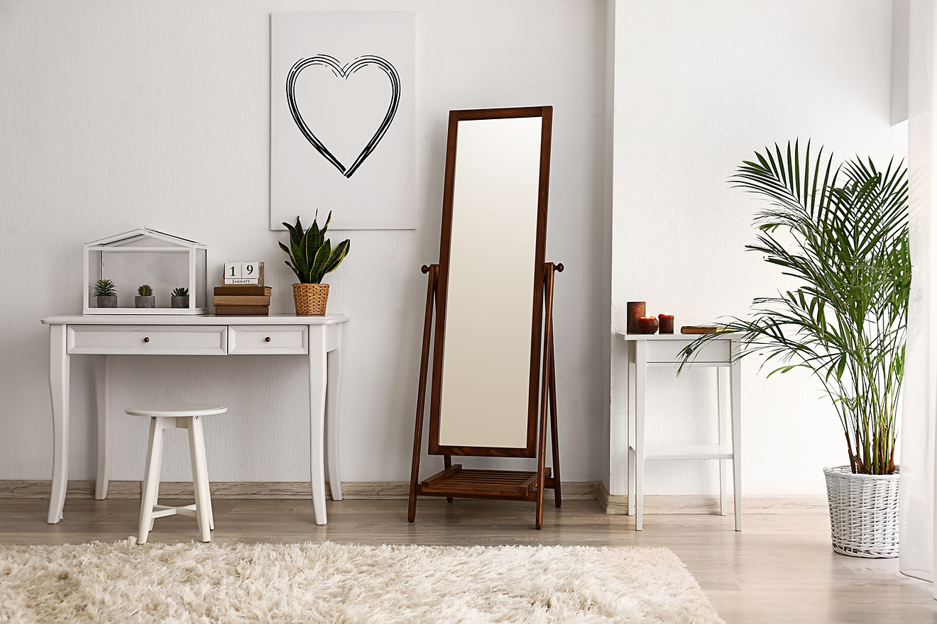 SIMPLIFY & DEFINE a space with favorite pieces.