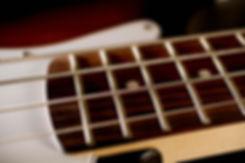 ベースギター弦