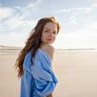 Ritratto di donna sulla spiaggia