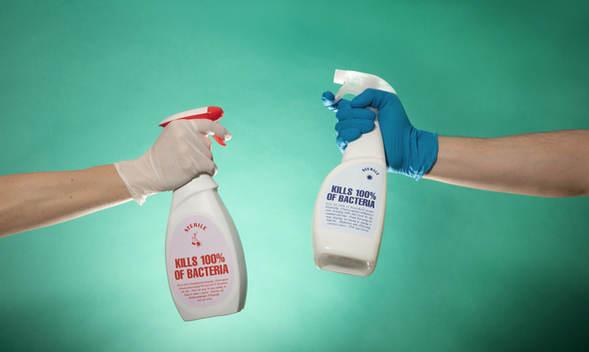 Botellas de spray desinfectantes